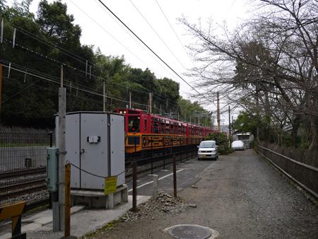 ( トロッコ電車だ )