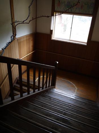 ( 学校の怪談?いや階段 )
