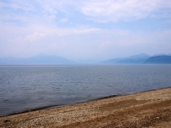 ( 福島県 猪苗代湖 )