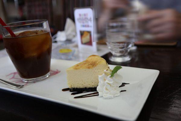 ( チーズケーキセット780円 )