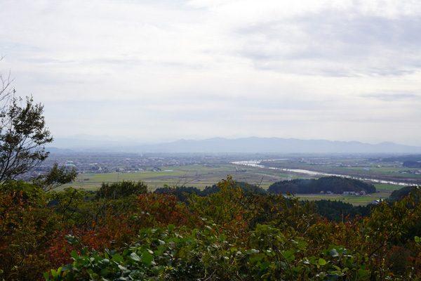 ( 越後平野と谷川岳 )